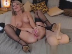 Beautiful Blonde Toys Private Webcam Show