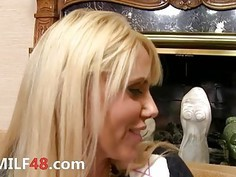 Extremely hot MILF intercourse