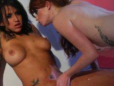 Gothic bitch Reagan Reese gets her wet twat licked dry by Nikki Rhodes