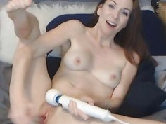 Sexy Webcam Chick Toys her Pink Pussy on Cam