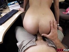 College student sells her books n fucked